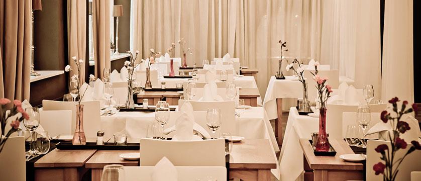 Q Hotel Maria Theresia, Kitzbühel, Austria - restaurant.jpg